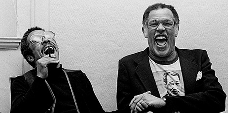 Johnny Griffin y Dexter Gordon en un ataque de risa.